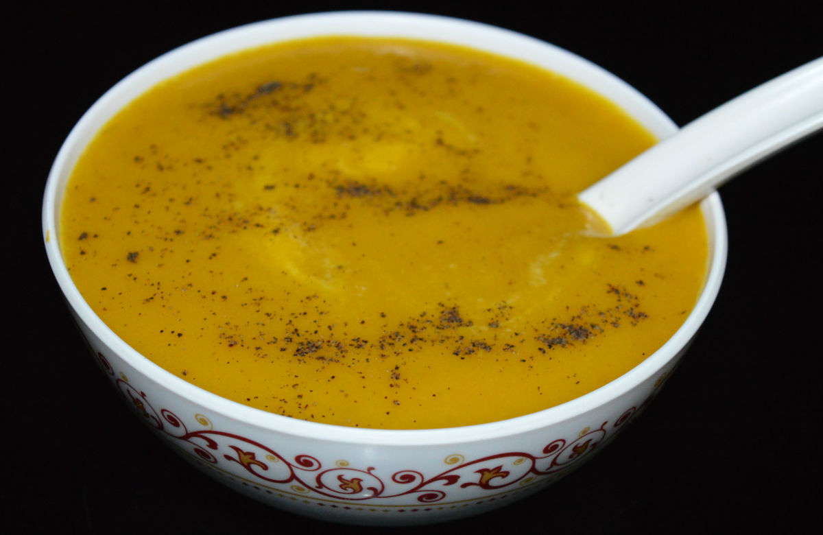 If you prefer a hot soup, heat up the puree before serving.