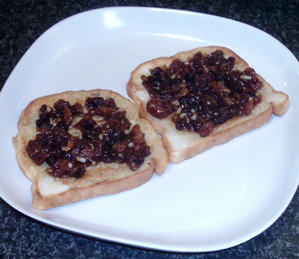 Mincemeat is spread on French toast