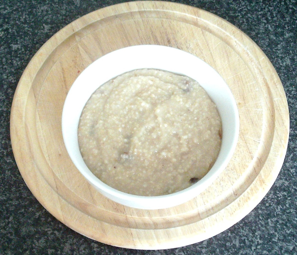 Homemade porridge, sweetened with a spoonful of mincemeat