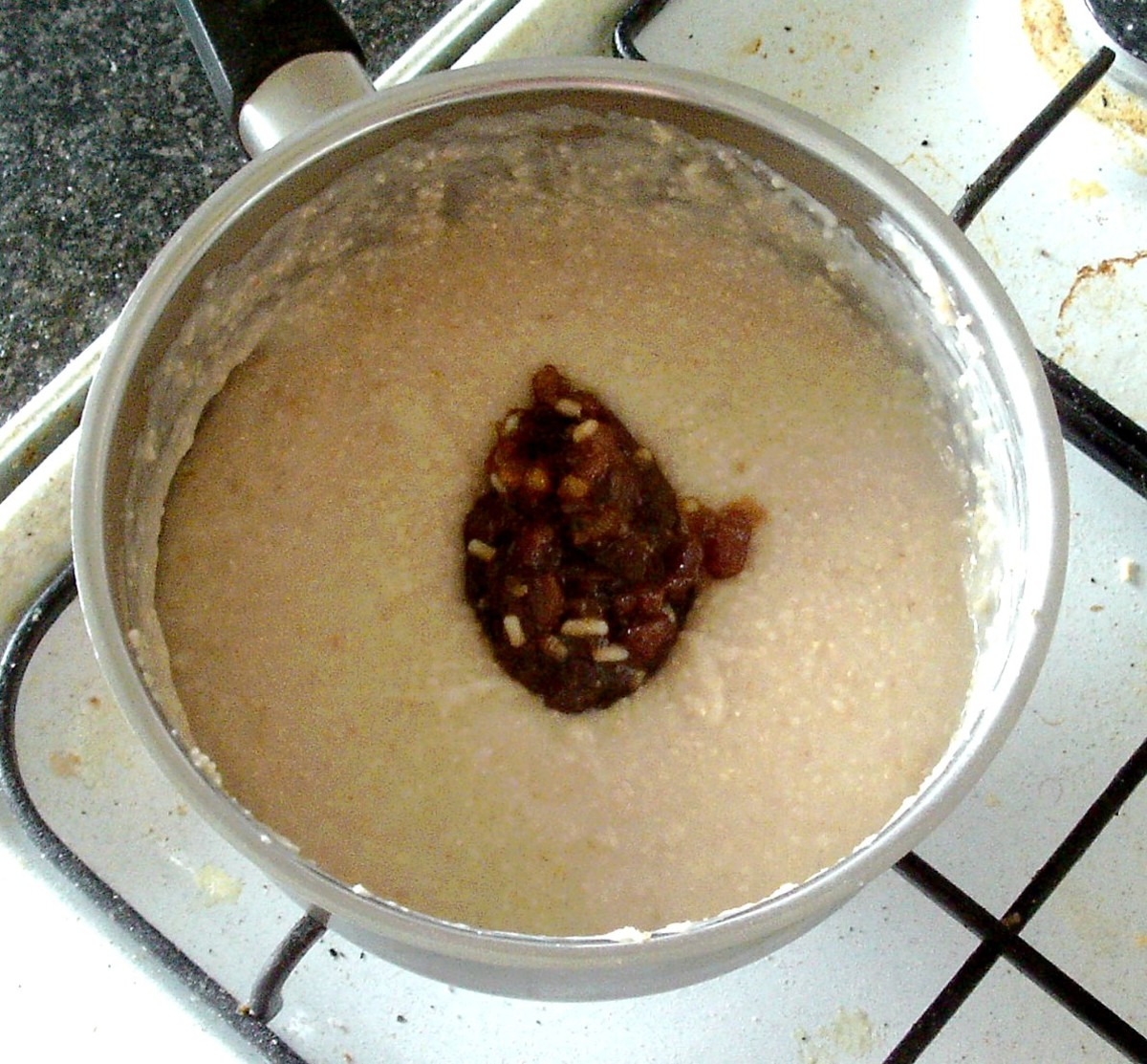 Mincemeat is added to porridge