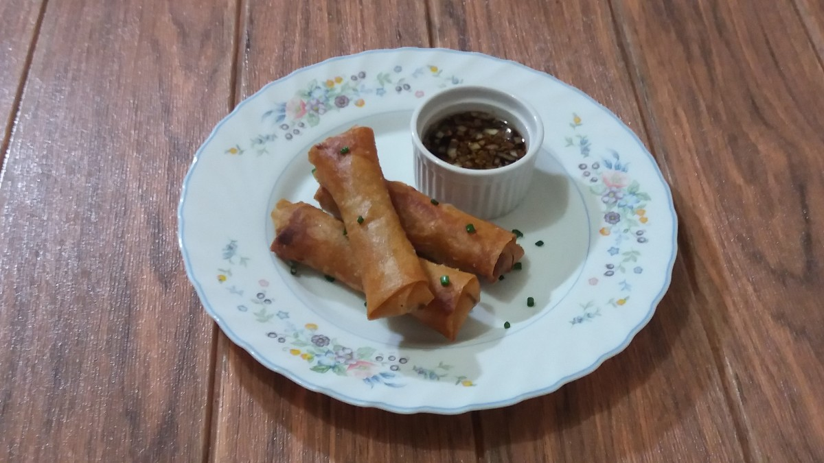 cheap and delicious lumpiang togue recipe