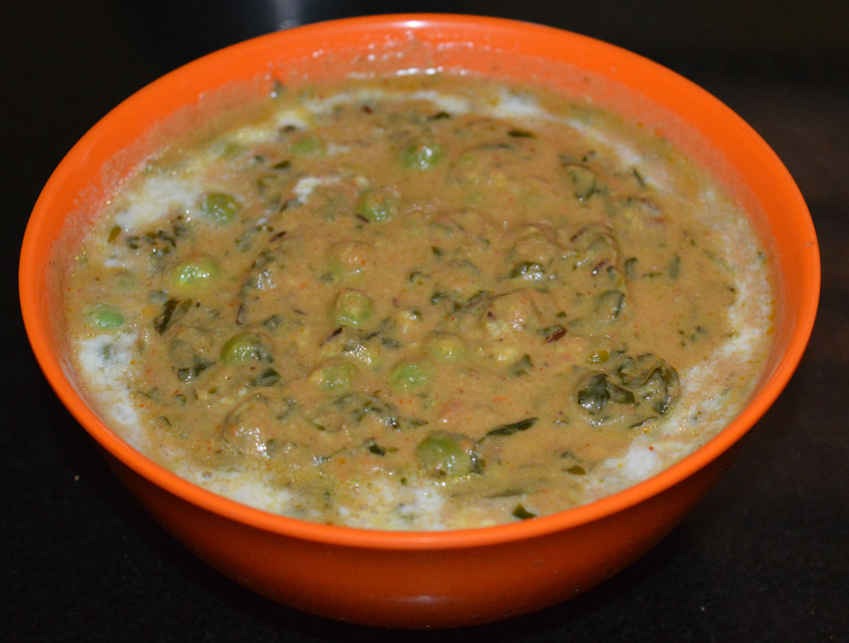 Enjoy eating the curry with flatbreads, ghee rice, or fried rice. Enjoy the heavenly taste!