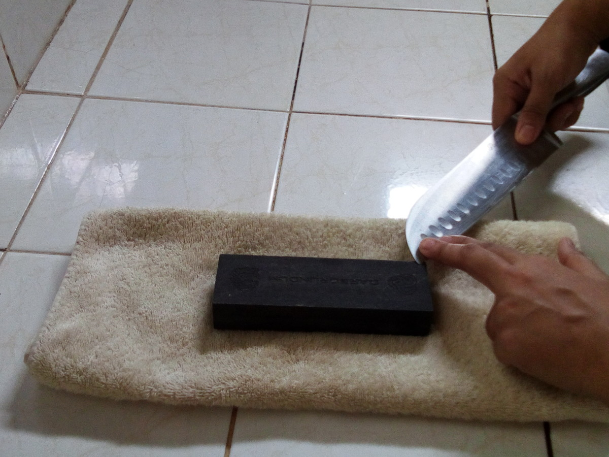how to sharpen a knife with a stone for beginners