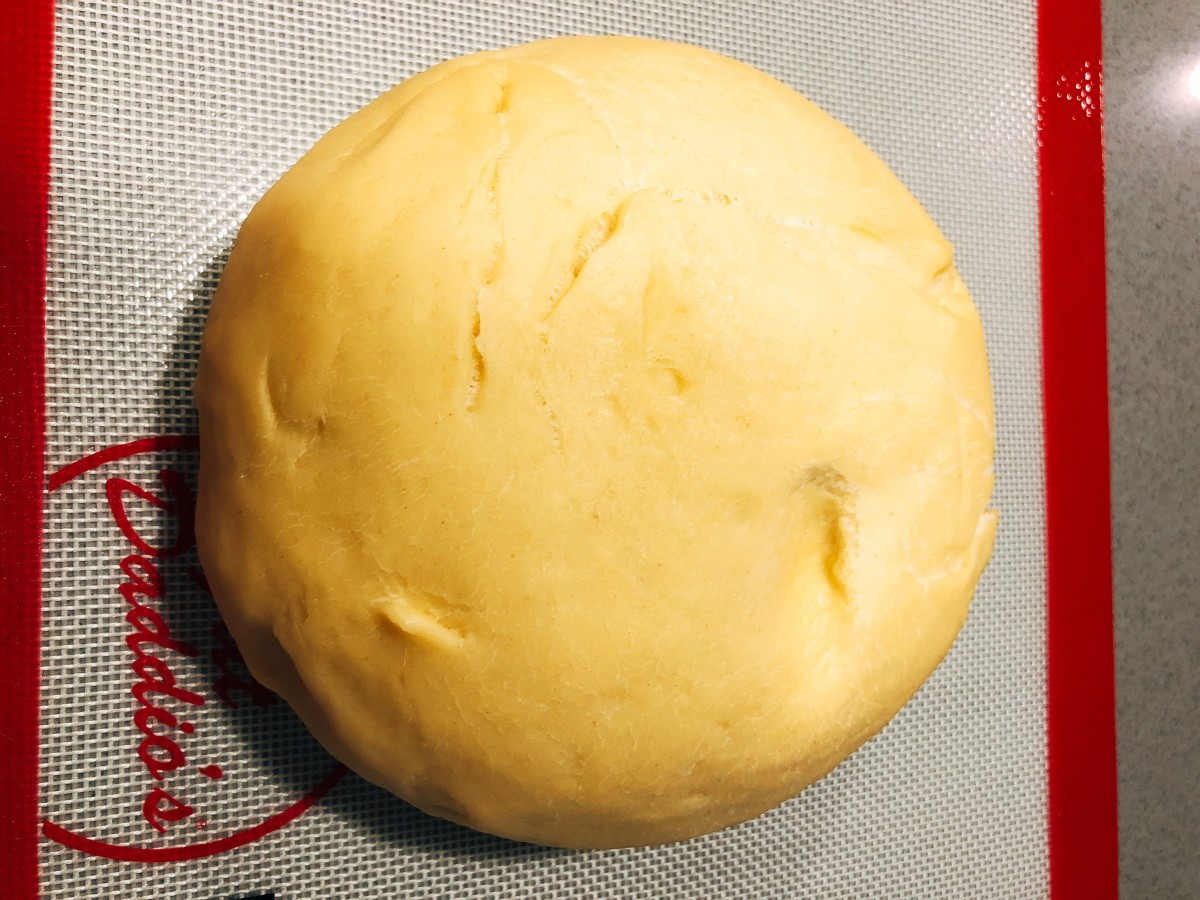 Transfer the chilled dough onto a baking mat.