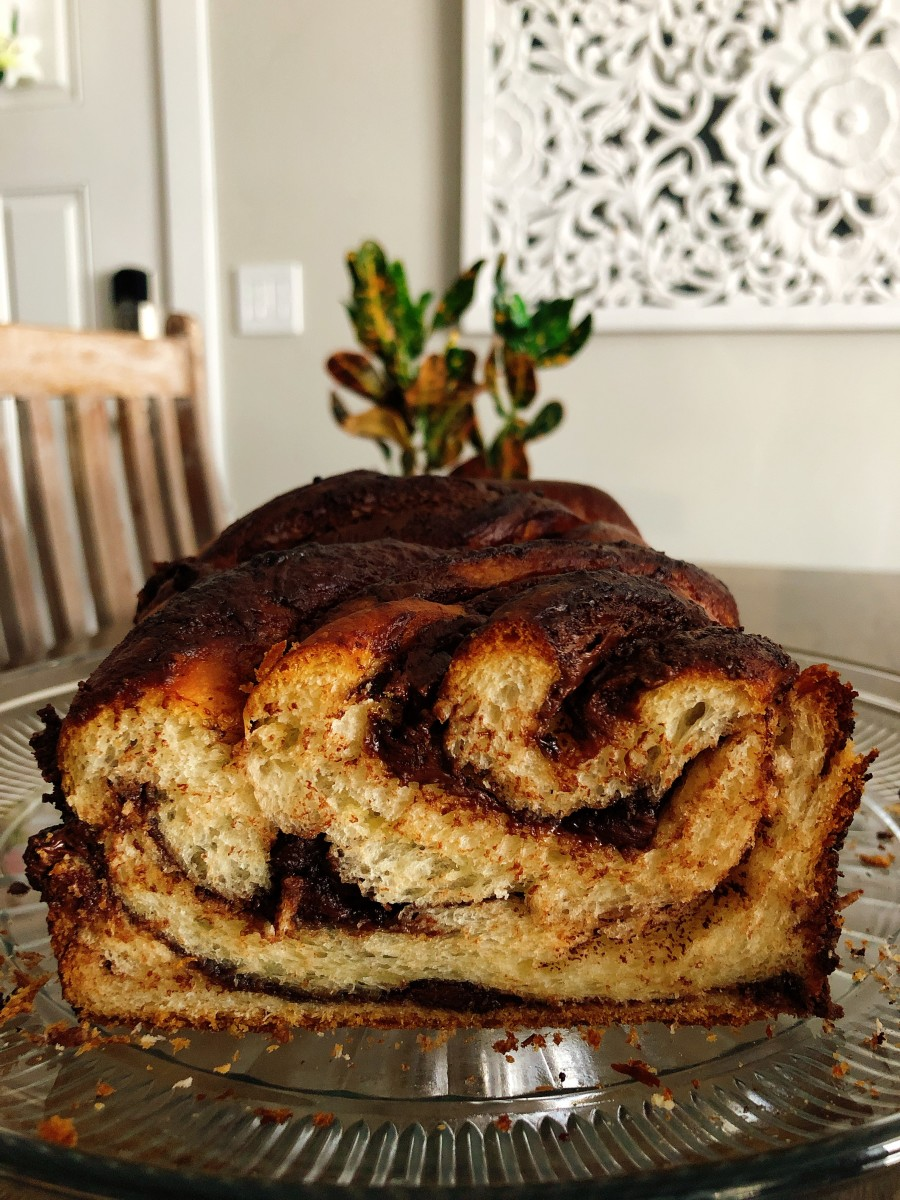 This Nutella-filled babka is absolutely delicious!