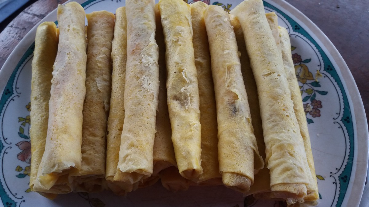 The wrapped and finished lumpiang Shanghai.