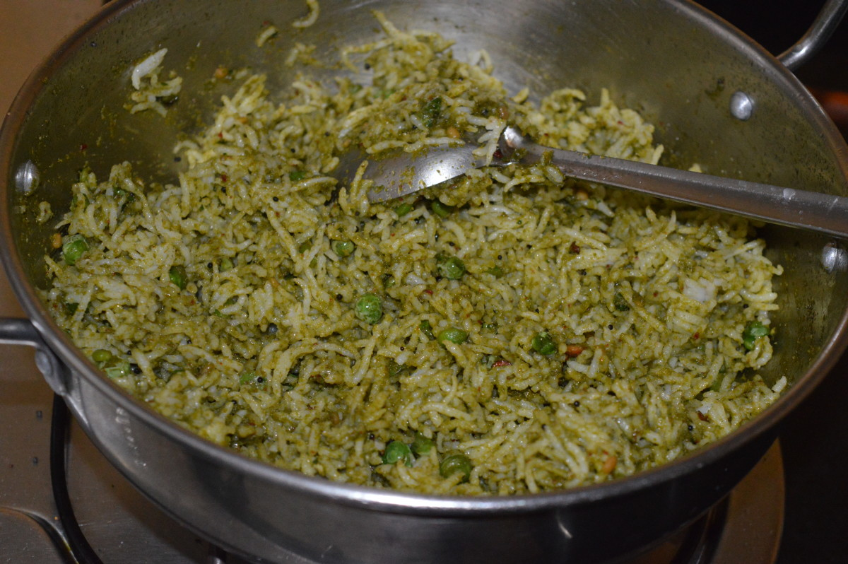 Your favorite mint leaf rice is now ready! Serve it with cucumber raita or tomato sauce. Enjoy the combo!