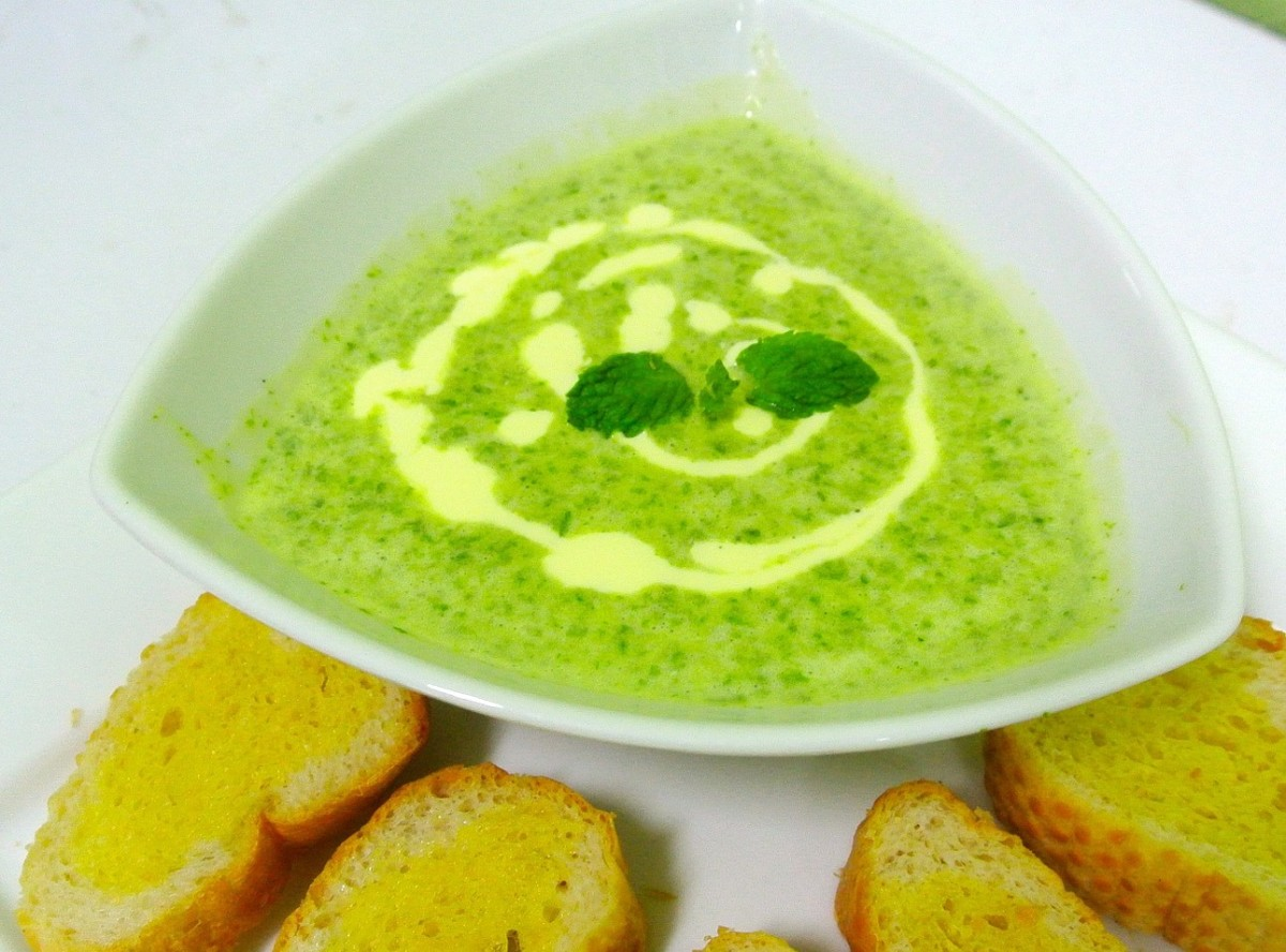 Carb Diva's Creamy Spinach Soup