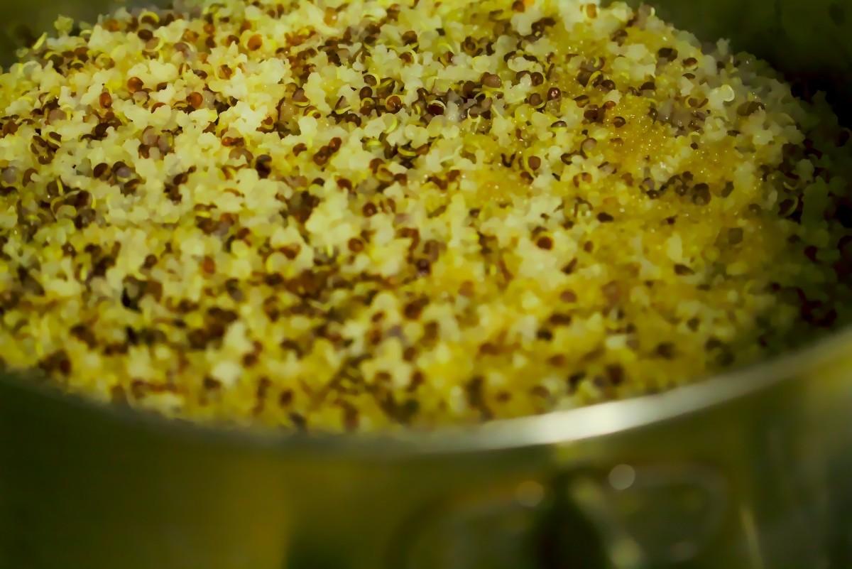 pot of cooked quinoa
