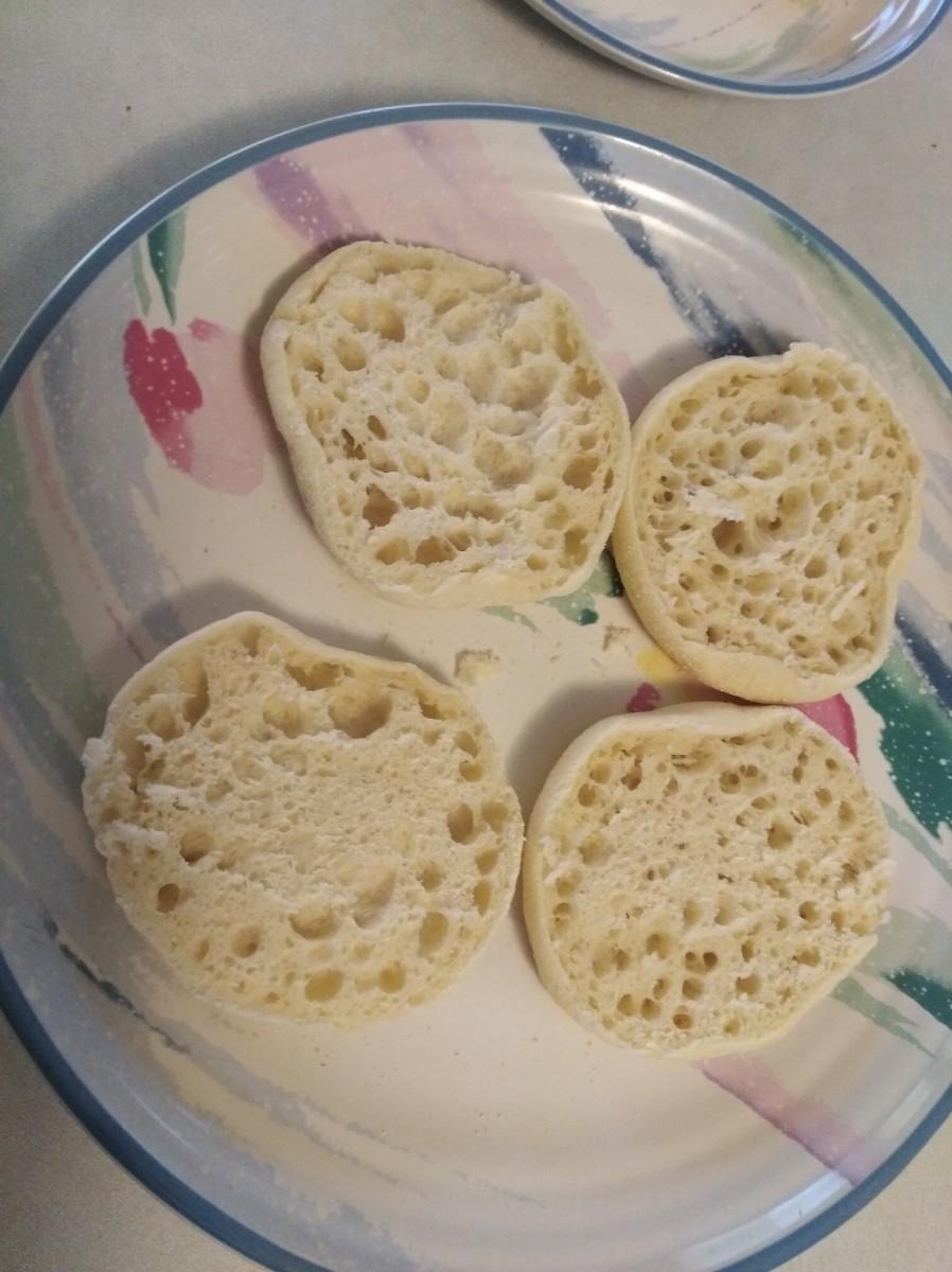 Cut the muffins in half
