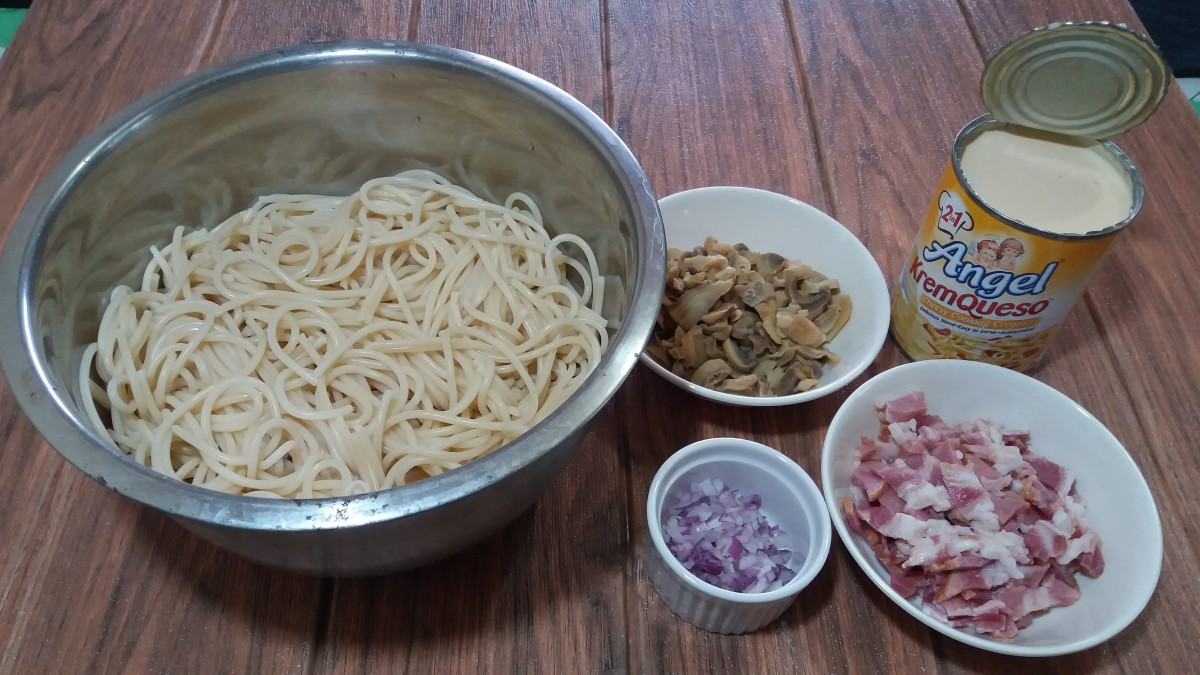 Ingredients for cheesy and creamy carbonara