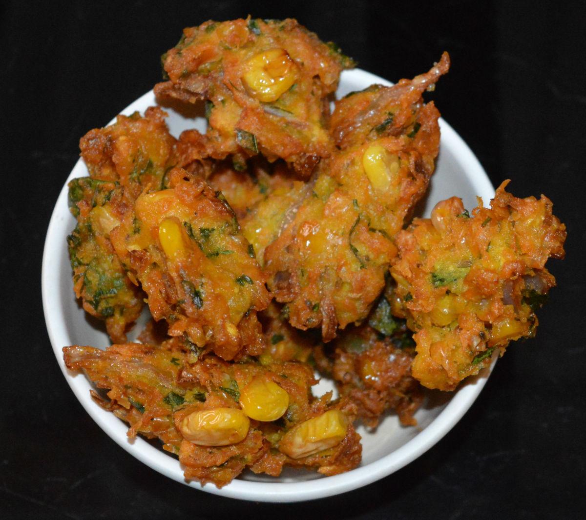 Corn fritters (corn pakora), ready to eat.