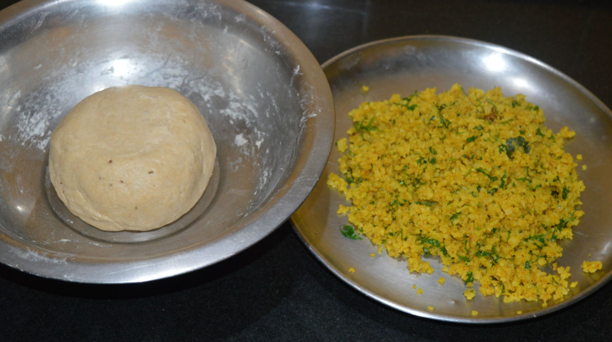 Keep the dough and the filling ready to make paratha.