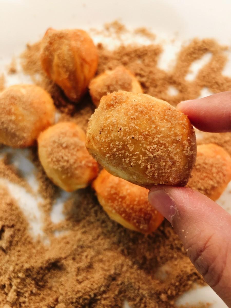 The bite-sized pretzels!