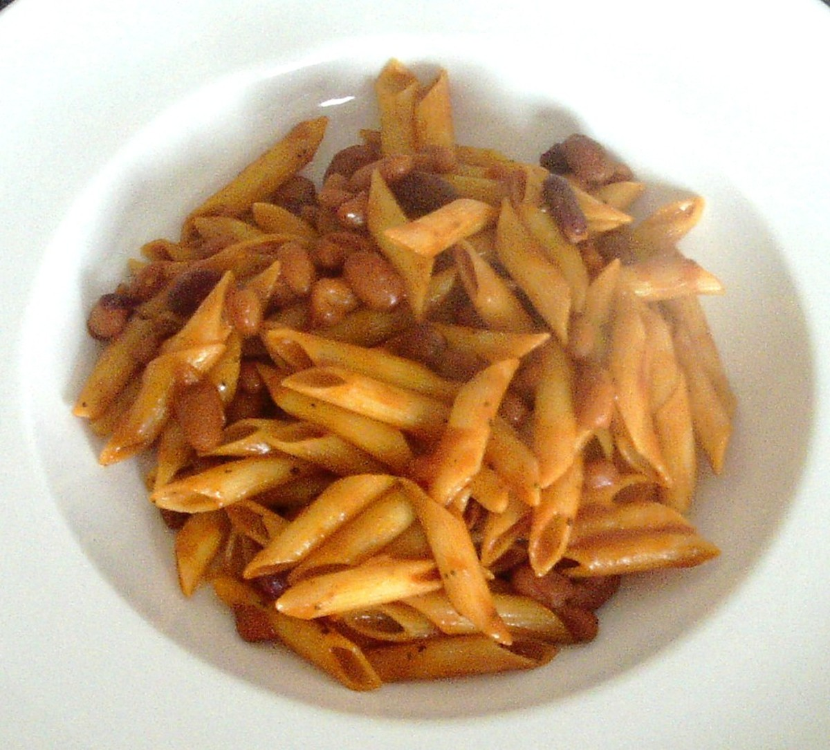 Penne pasta in five beans tomato sauce