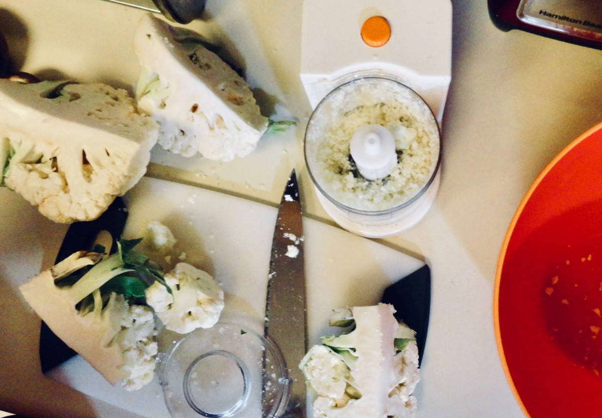 Chop the cauliflower in a food process till it looks like rice.