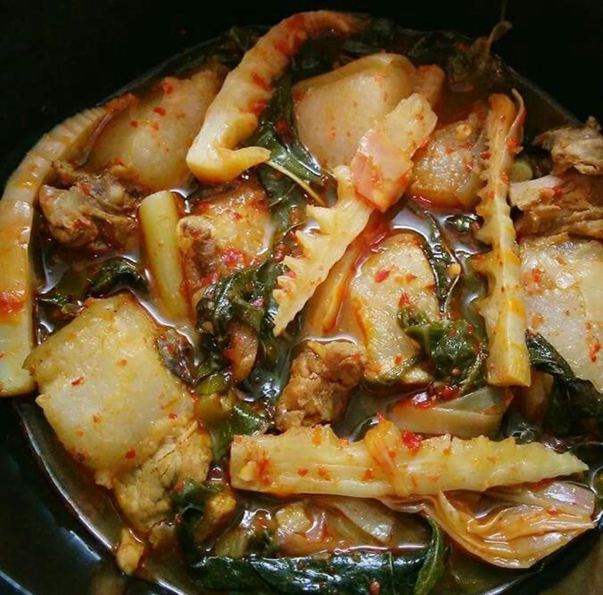 Naga pork curry (Nagaland)