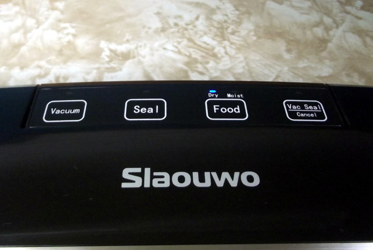Control panel of Slaouwo V2 Vacuum Sealer.