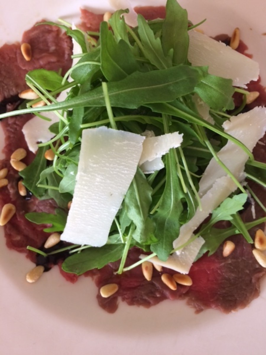 Carpaccio with Rocket and Balsamic Glaze