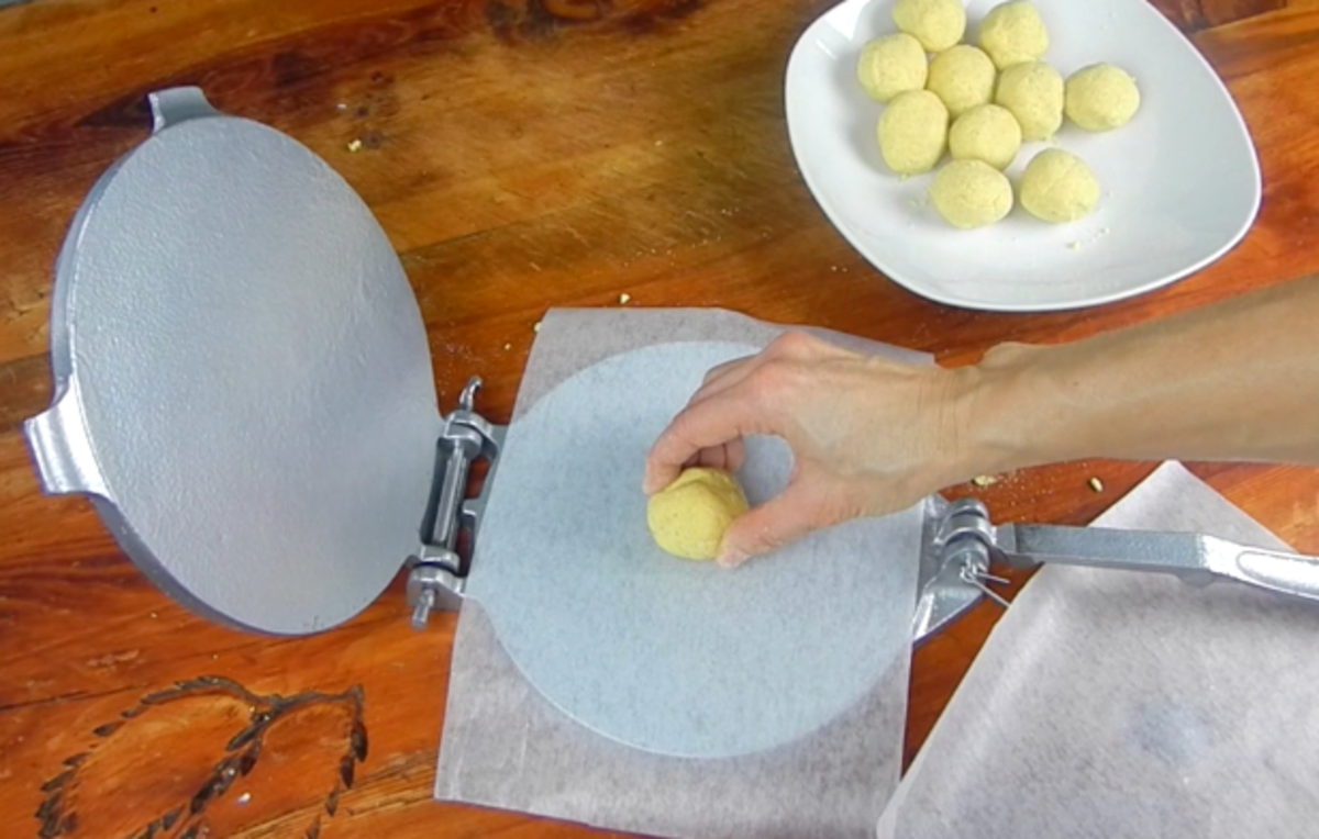 how-to-make-homemade-corn-tortillas-from-scratch