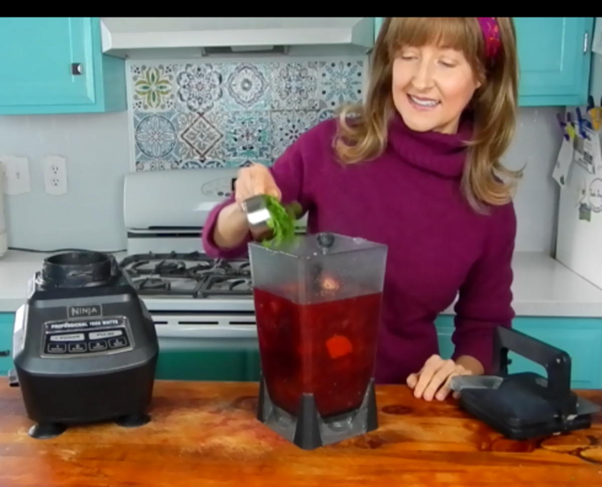 how-to-make-beetroot-soup-with-hemp-seed-cream-on-top