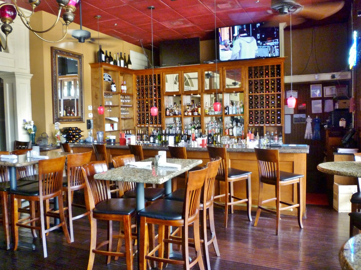 The bar area in front of the restaurant