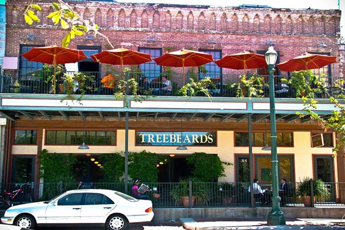 Treebeards restaurant in the Baker-Meyer Building, 315 Travis St.