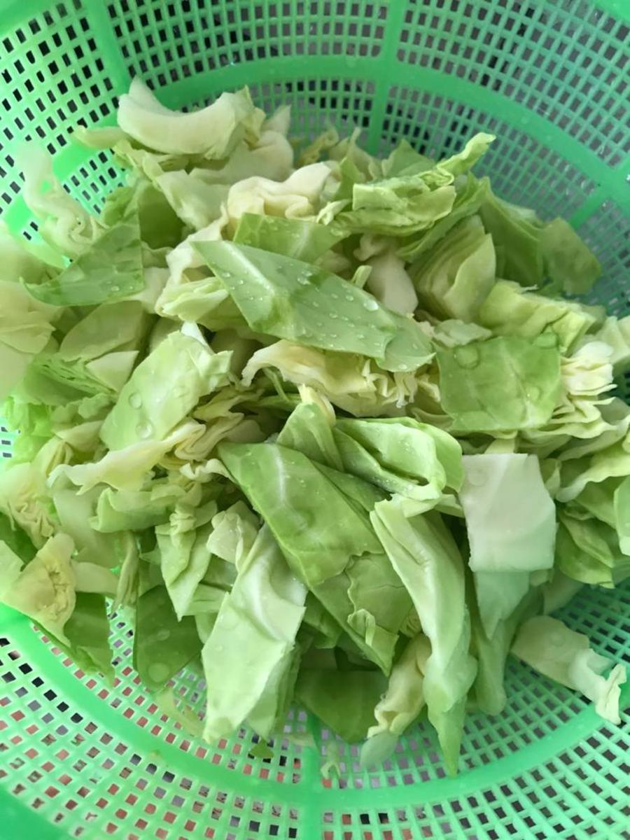 1/2 head cabbage, cut into medium squares