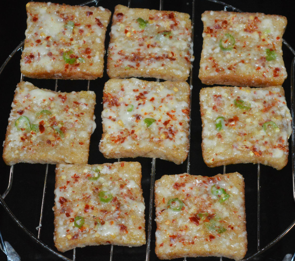 Chili cheese toast is ready to enjoy!