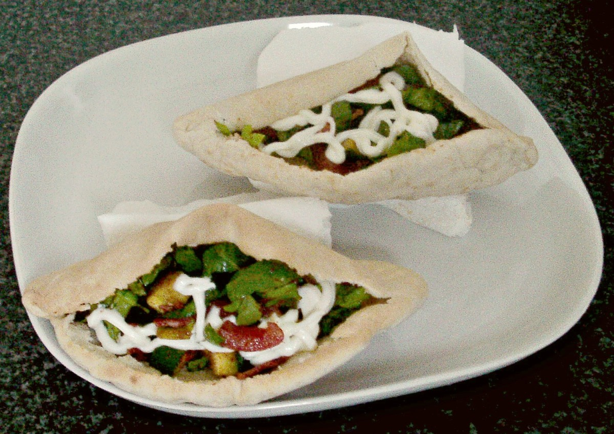Paprika spiced BLT salad pitta pockets