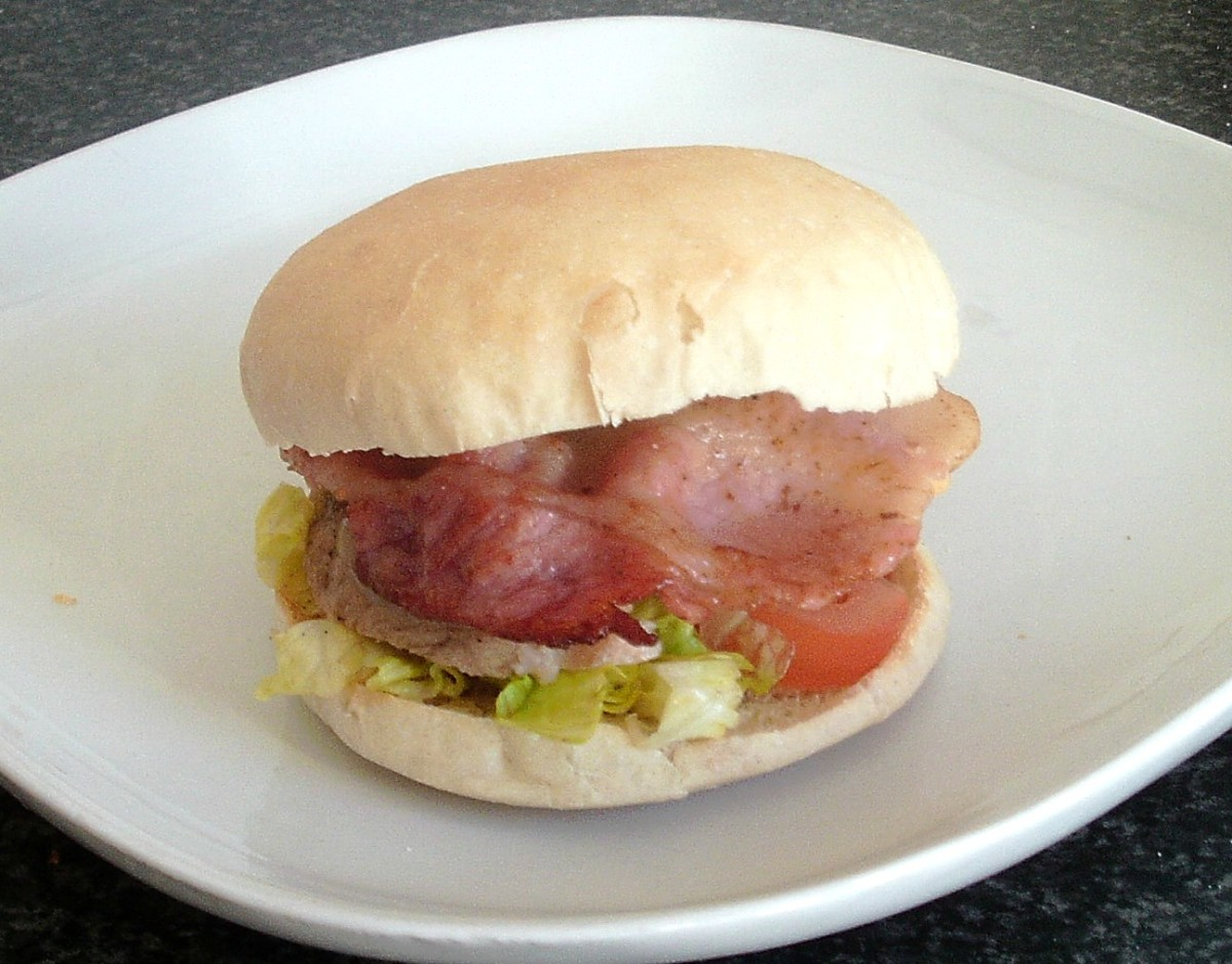 BLT with pork fillet and apple sauce