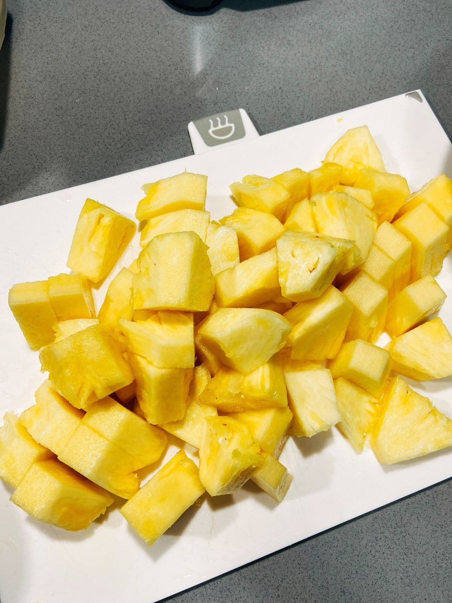 Peel and cut the pineapple into chunks. The pineapple I bought was so juicy!