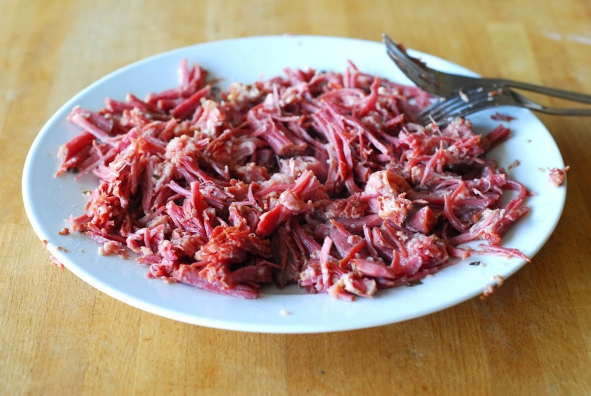 Shredded cooked corned beef
