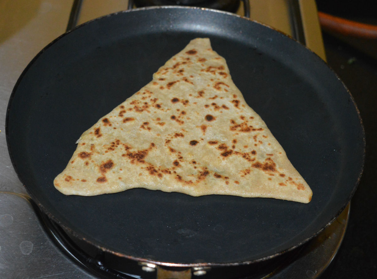 Cooking each paratha takes about 1 1/2 minutes.