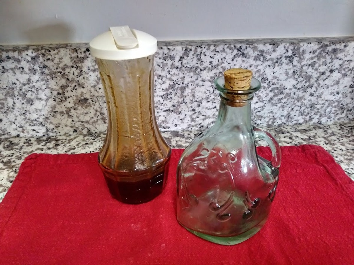 Use a salad shaker to combine the oil, vinegar, sugar and paprika. If I have guests, I may pour the salad dressing into a decorative bottle and allow my guests to serve themselves.