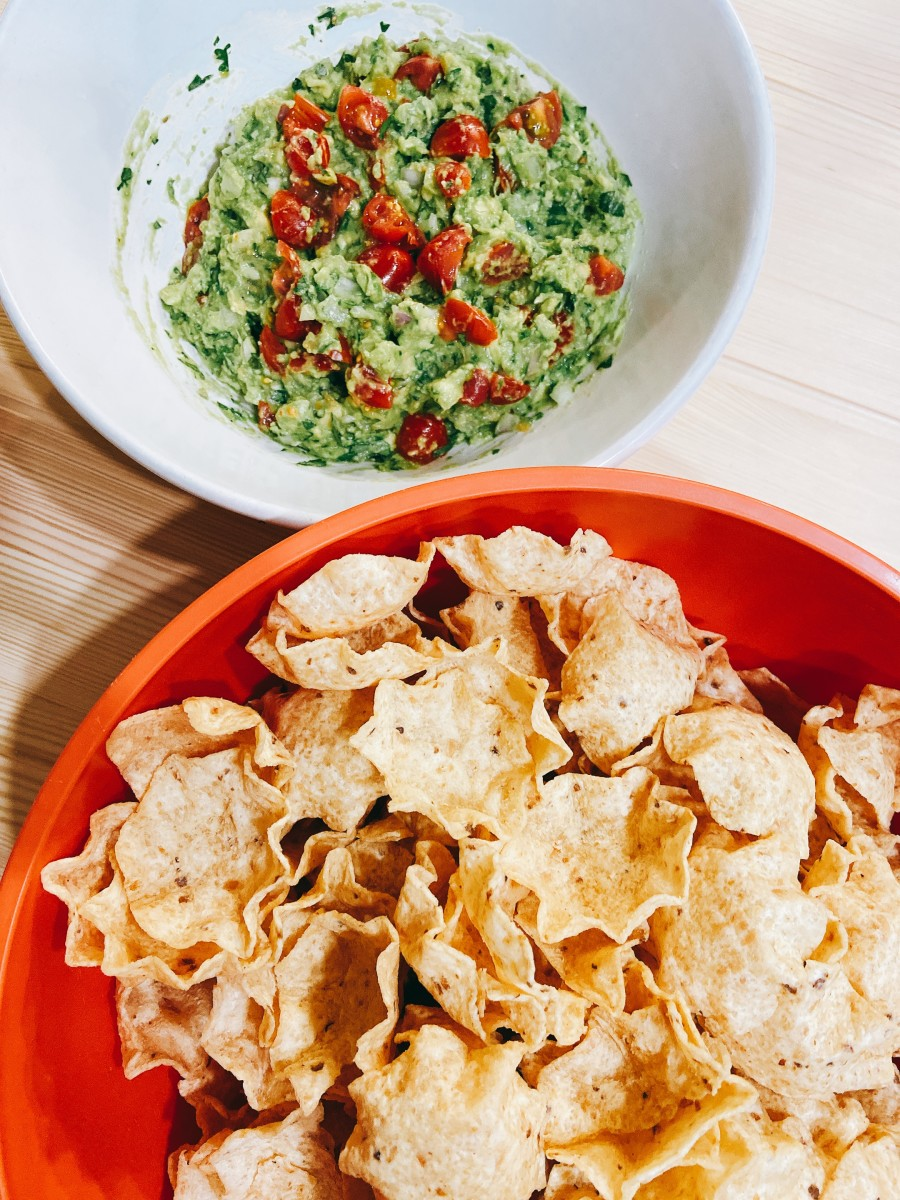 Serve immediately with your favorite tortilla chips.