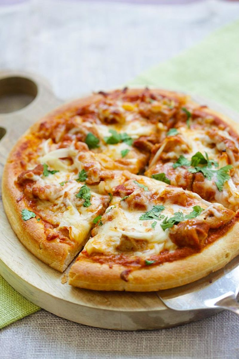 Chicken tikka masala pizza