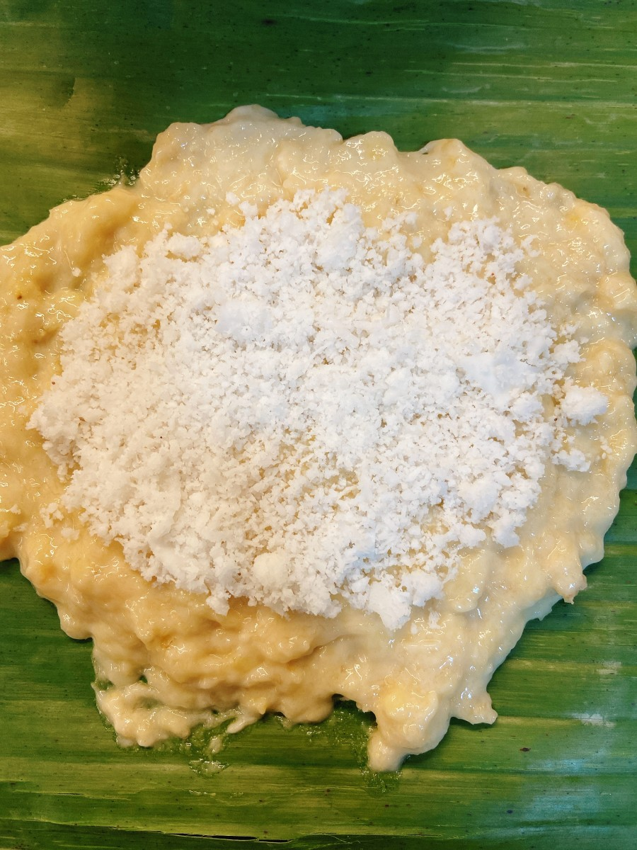 Place 2 teaspoons of the coconut filling and put it on top of the pancake mixture.