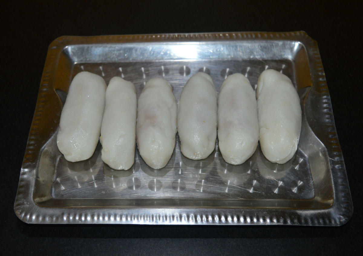 Place the dumplings on a plate.