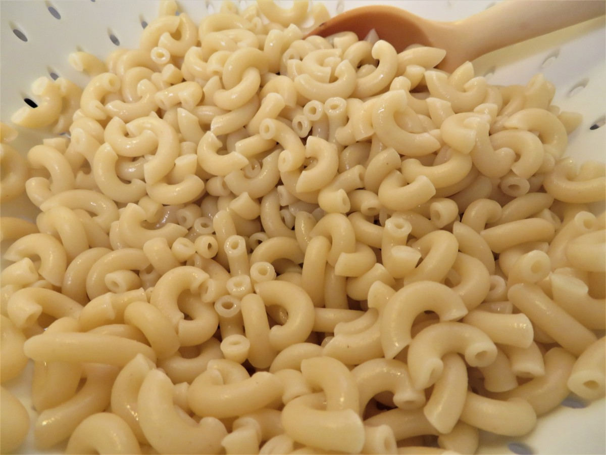Cooked and drained elbow macaroni