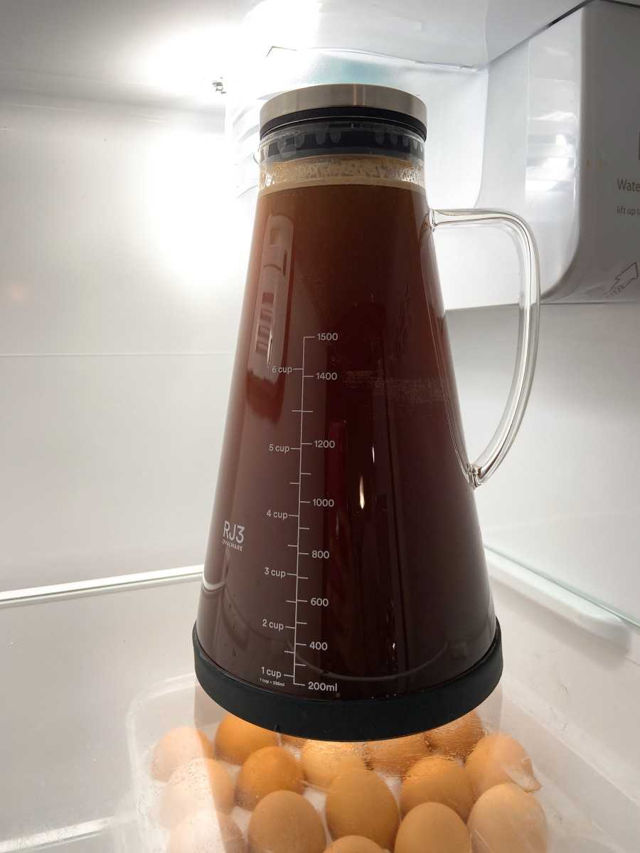 Allow the coffee to brew in the fridge for 12-18 hours, depending on your preference.