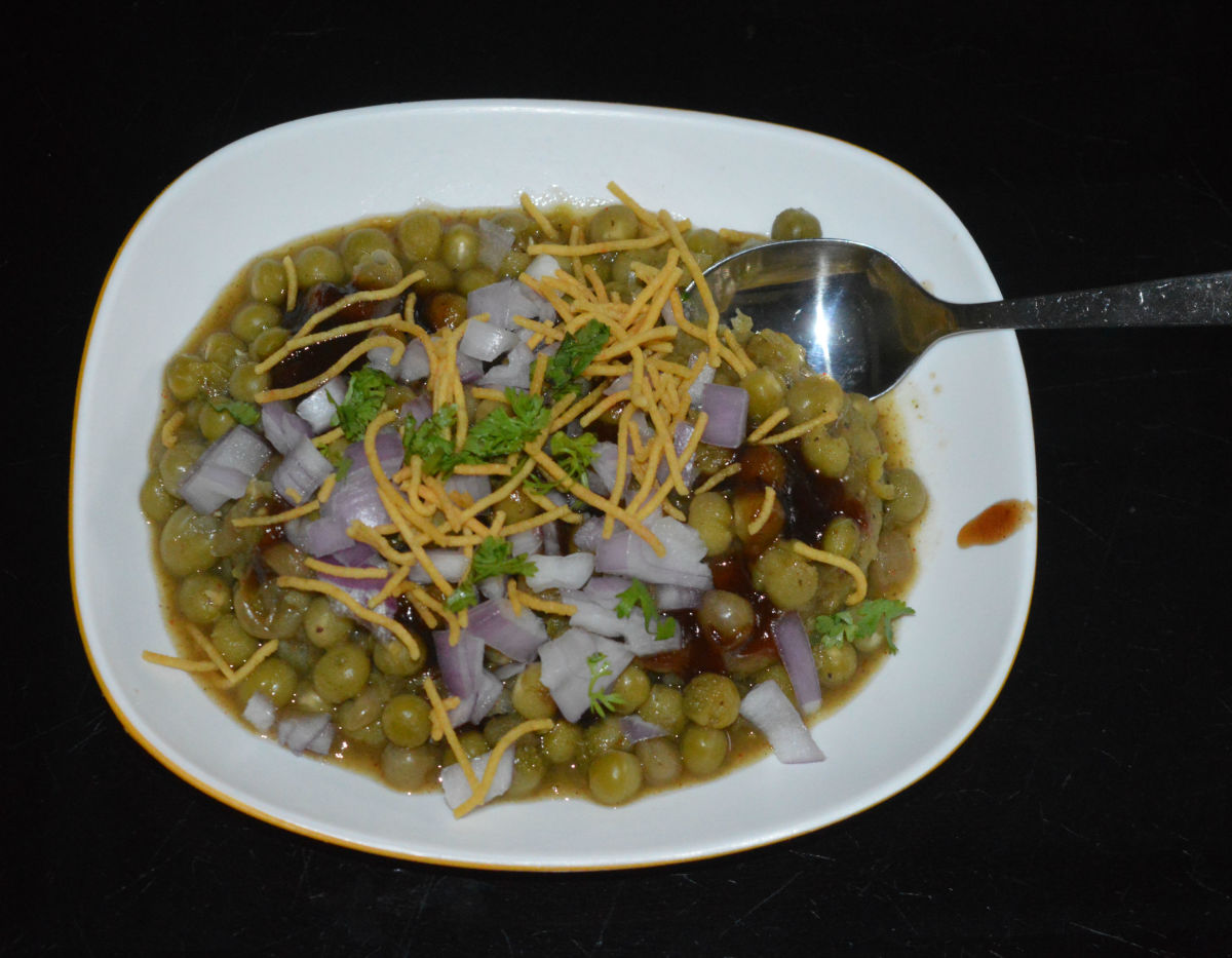 Enjoy the patties along with the hot and spicy ragda!