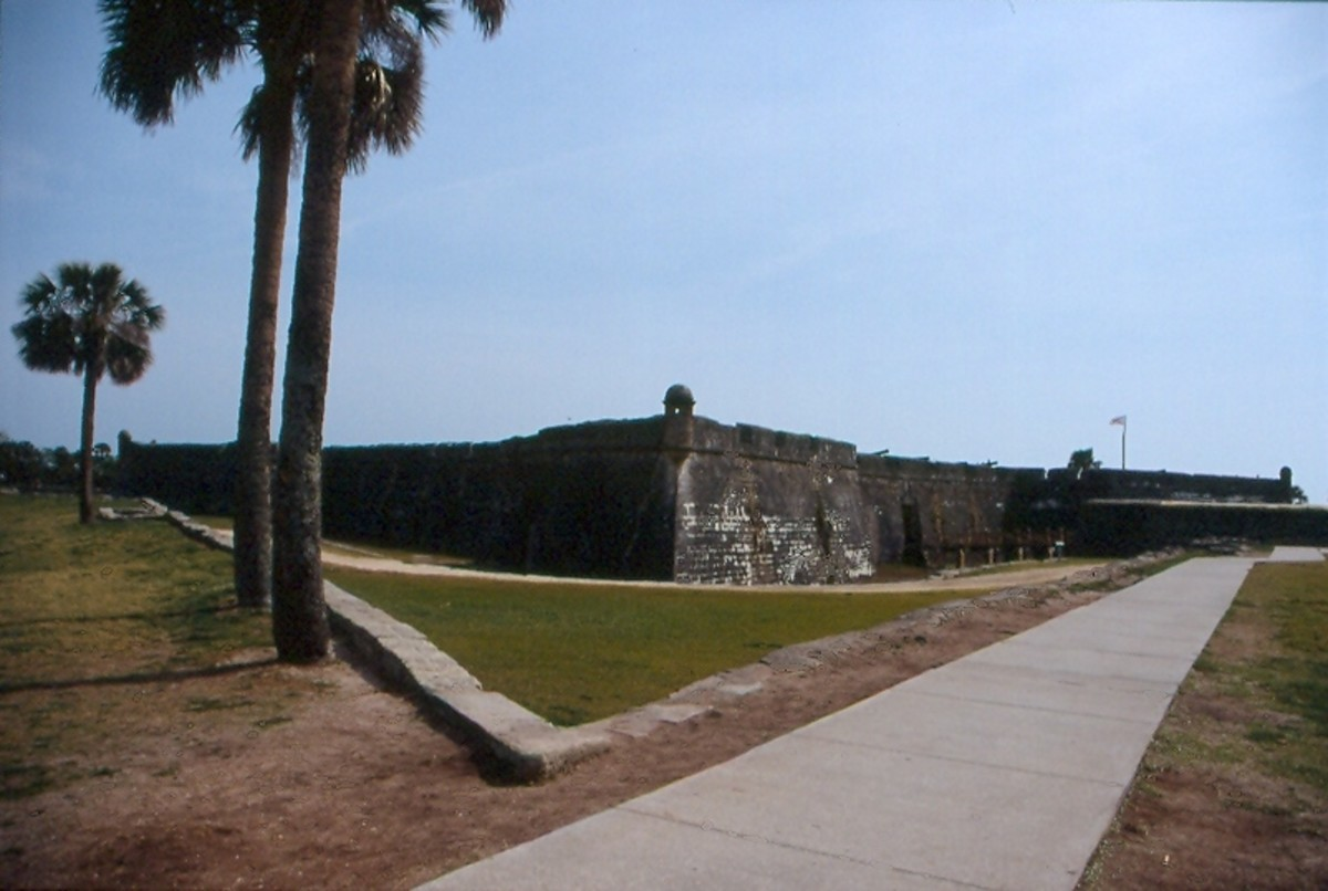 Castillo de San Marcos in St. Augustine, Florida: The largest and best-preserved Spanish fort in continental U.S.