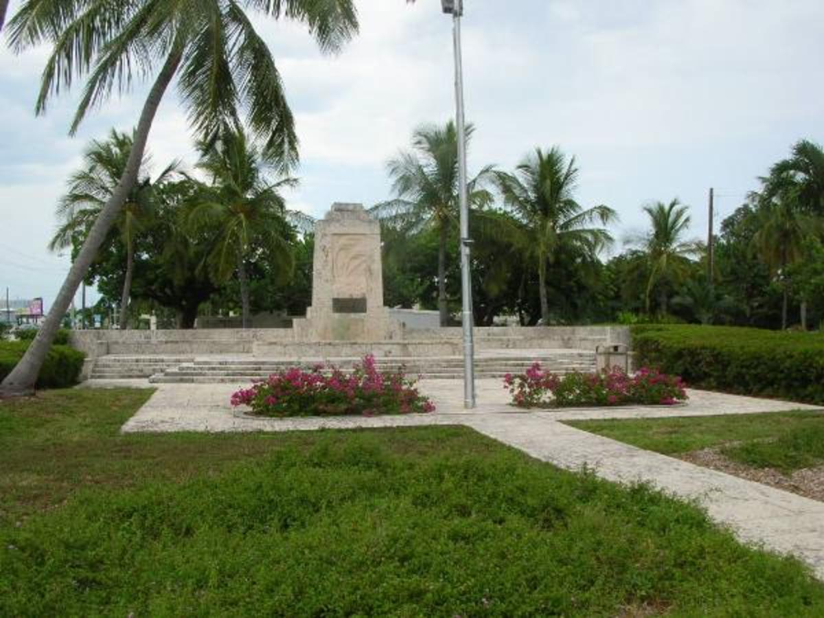 Memorial at Highway US1 Mile Marker 81.5 in Islamorada