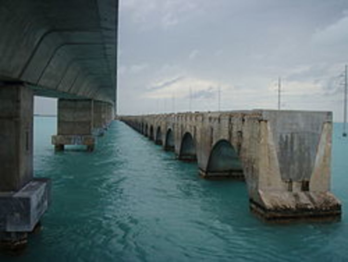 US1 (L) and the remnants of the Overseas Railroad (R) shown here crossing Channel 5.