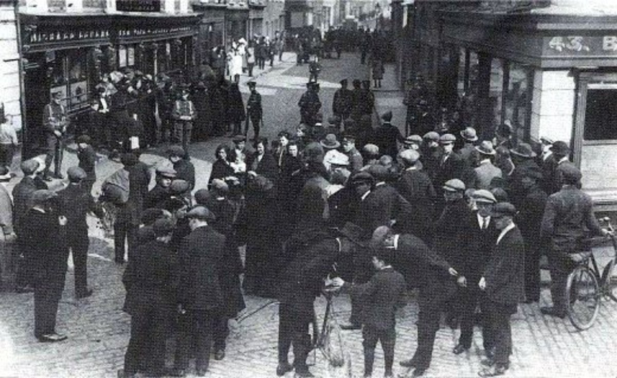 Kevin Barry had just been arrested when this photo was taken in 1920 .