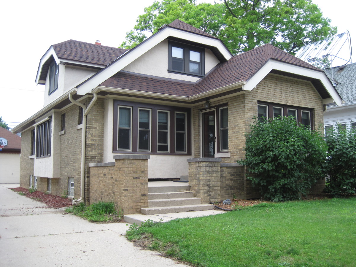 Milwaukee bungalows craftsman style homes owlcation - What is a bungalow house ...