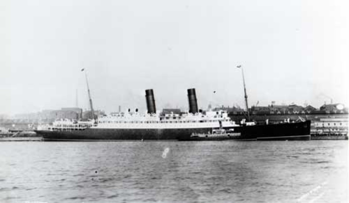 RMS Laconia (the original Laconia) (1911-1917) at New York. Torpedoed in World War One.
