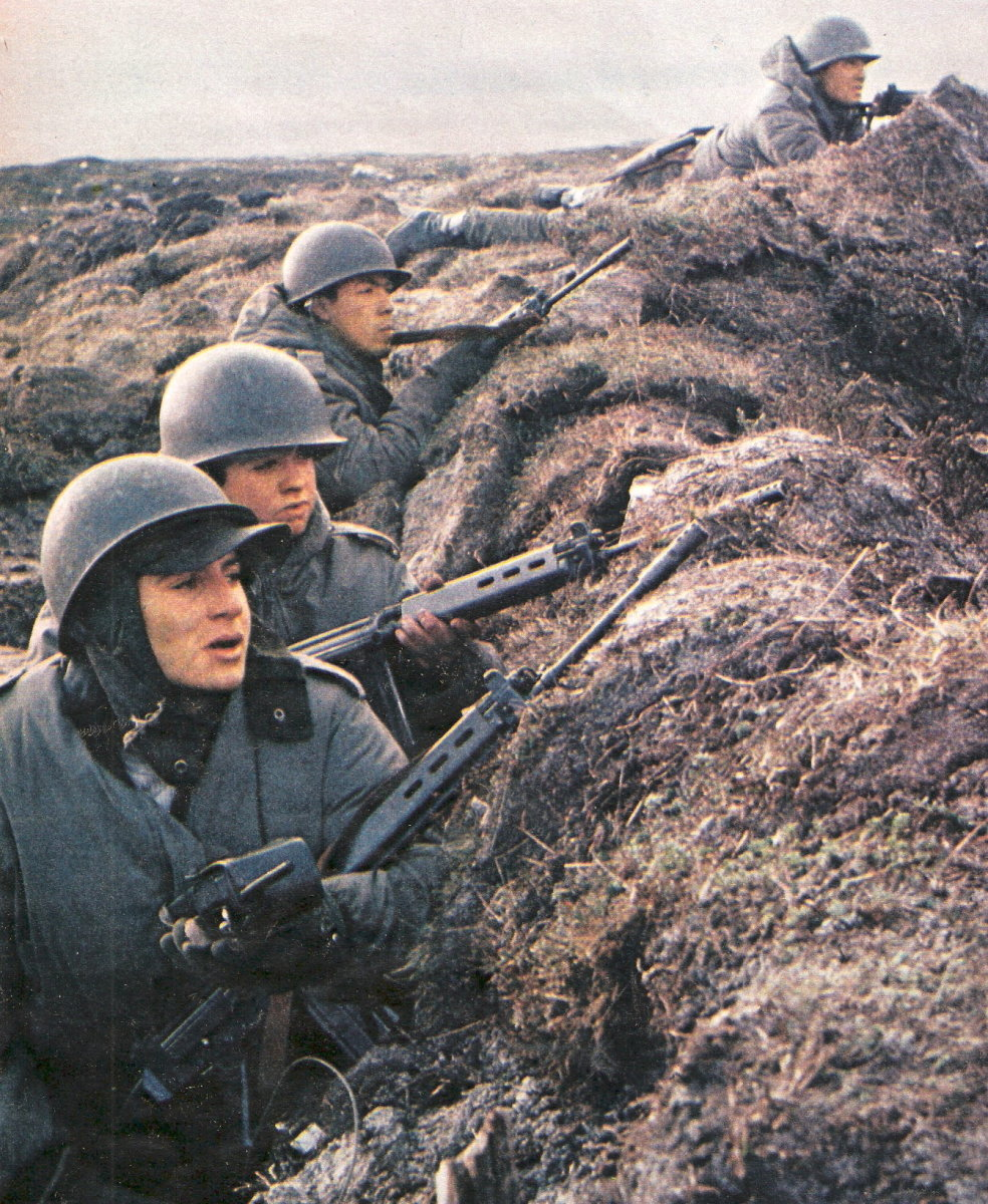 Argentine soldiers in the war.