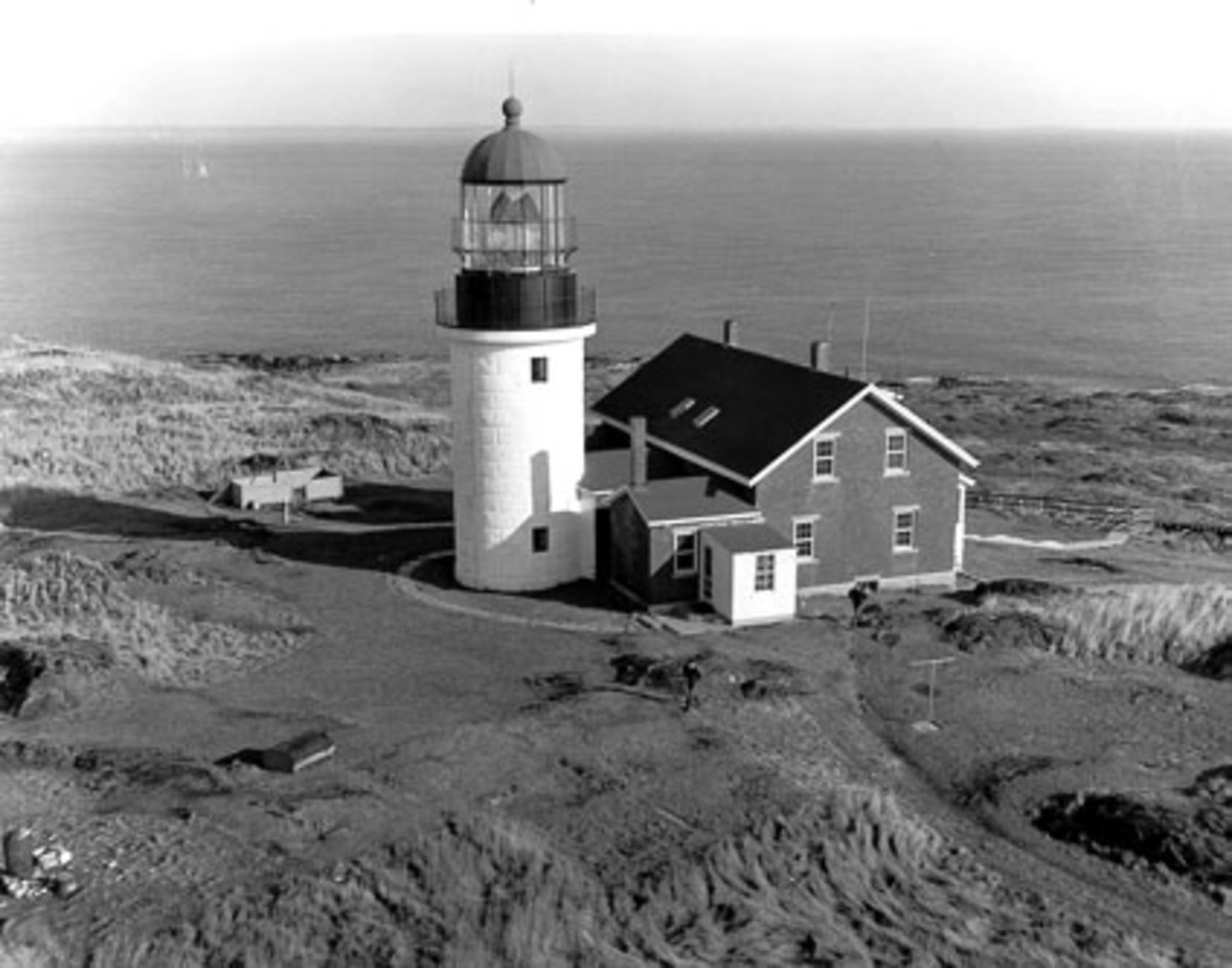 The Sequin Island Light at the mouth of the Kennebec River still employs a Fresnel lens.